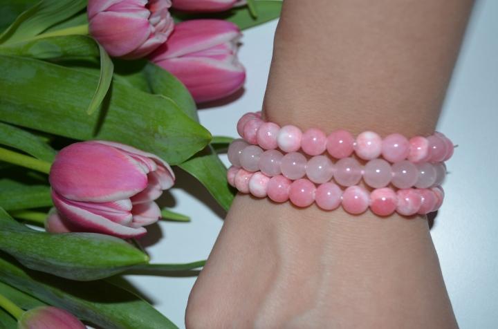 All about the semi-precious stones andbracelets